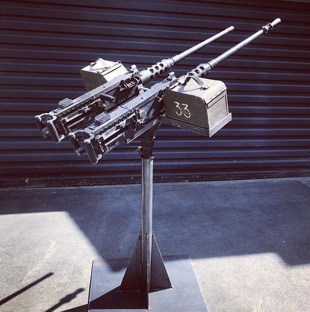 twin browning machine gun
